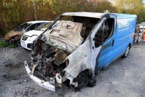 [Besançon] Ataque incendiario contra furgonetas de Enedis, Engie y Journaflics